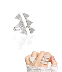 Triangle_stud_Ring